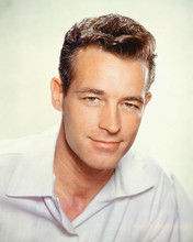 This is an image of Photograph & Poster of Guy Madison 252036