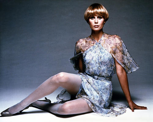 This is an image of Photograph & Poster of Joanna Lumley 295902