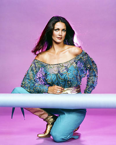 This is an image of Photograph & Poster of Lynda Carter 295906