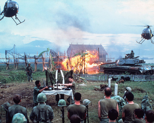 This is an image of Photograph & Poster of Apocalypse Now 296123