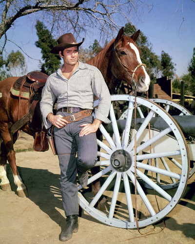 This is an image of Photograph & Poster of Clint Walker 295725