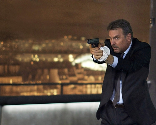 This is an image of Photograph & Poster of Kevin Costner 295739