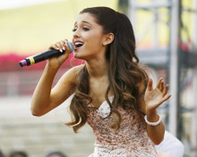 This is an image of Photograph & Poster of Ariana Grande 295749