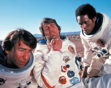 This is an image of Photograph & Poster of Capricorn One 297512