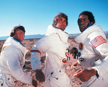 This is an image of Photograph & Poster of Capricorn One 297549