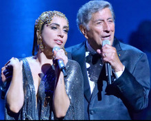 This is an image of Photograph & Poster of Tony Bennett 297949