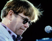 This is an image of Photograph & Poster of Elton John 285587