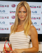This is an image of Photograph & Poster of Bar Refaeli 286034