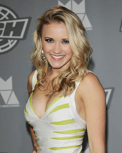 This is an image of Photograph & Poster of Emily Osment 286055