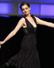 This is an image of Photograph & Poster of Anne Hathaway 286107