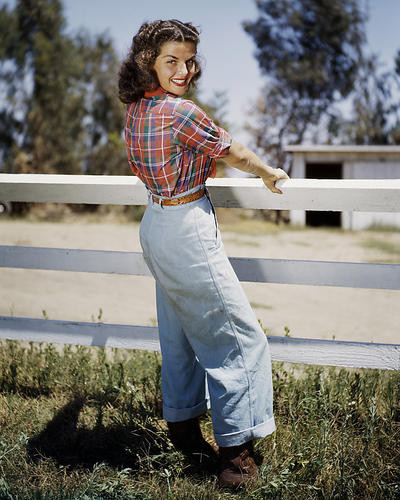 This is an image of Photograph & Poster of Gail Russell 286376