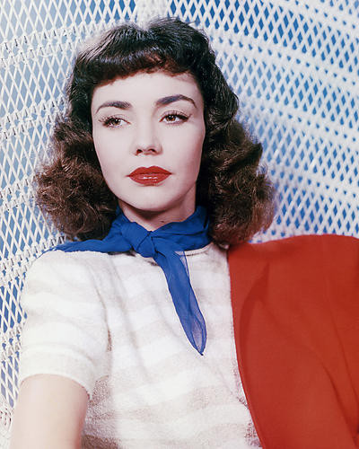 This is an image of Photograph & Poster of Jennifer Jones 286393
