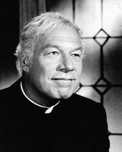 This is an image of Photograph & Poster of George Kennedy 196177