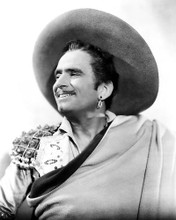 This is an image of Photograph & Poster of Douglas Fairbanks 196346