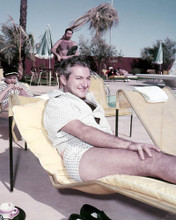 This is an image of Photograph & Poster of Liberace 286934