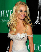 This is an image of Photograph & Poster of Pamela Anderson 287388