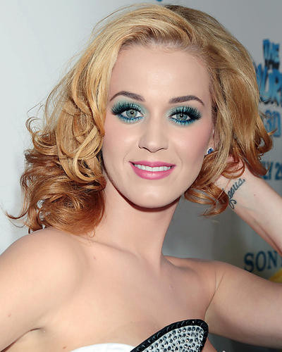 This is an image of Photograph & Poster of Katie Perry 287408