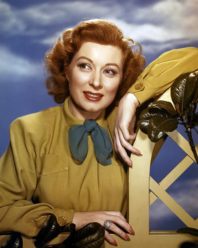 This is an image of Photograph & Poster of Greer Garson 287426