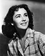 This is an image of Photograph & Poster of Elizabeth Taylor 196549