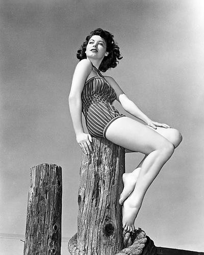 This is an image of Photograph & Poster of Ava Gardner 196695