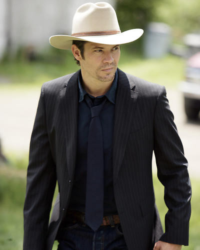 This is an image of Photograph & Poster of Timothy Olyphant 287474
