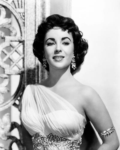 This is an image of Photograph & Poster of Elizabeth Taylor 196690