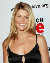 This is an image of Photograph & Poster of Lori Loughlin 287574