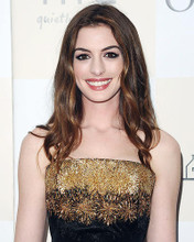 This is an image of Photograph & Poster of Anne Hathaway 287583