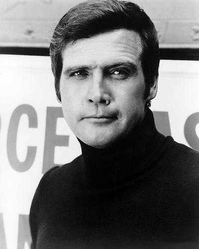 This is an image of Photograph & Poster of Lee Majors 196718