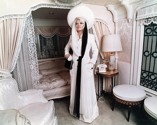 This is an image of Photograph & Poster of Mae West 287681