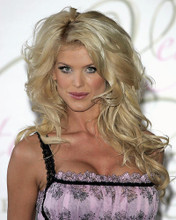 This is an image of Photograph & Poster of Victoria Silvstedt 287816