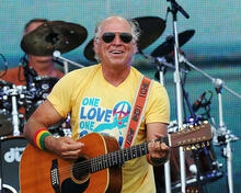 This is an image of Photograph & Poster of Jimmy Buffett 287898