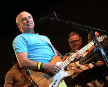 This is an image of Photograph & Poster of Jimmy Buffett 287913