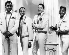 This is an image of Photograph & Poster of Smokey Robinson and the Miracles 197031