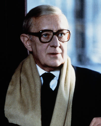 This is an image of Photograph & Poster of Alec Guinness 288361