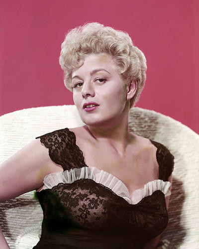 This is an image of Photograph & Poster of Shelley Winters 288544