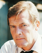 This is an image of Photograph & Poster of Roger Moore 288248