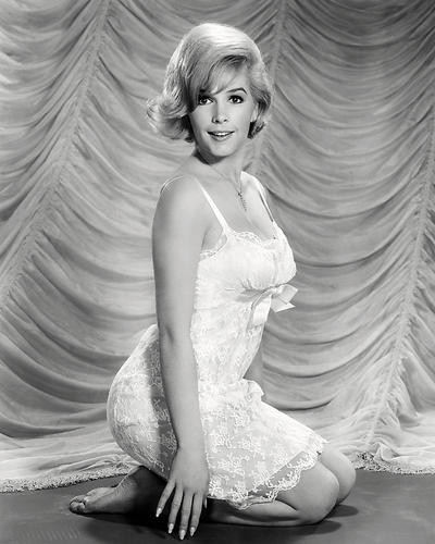 This is an image of Photograph & Poster of Stella Stevens 197203
