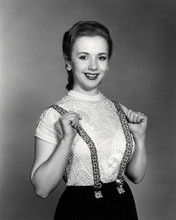 This is an image of Photograph & Poster of Piper Laurie 197231