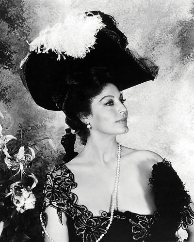 This is an image of Photograph & Poster of Ava Gardner 197234