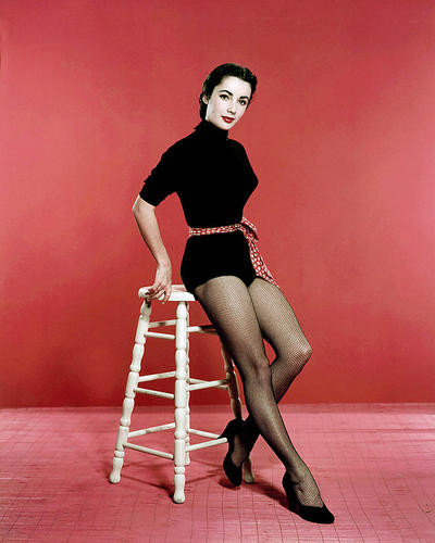 This is an image of Photograph & Poster of Elizabeth Taylor 288733