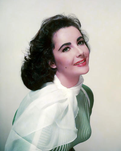 This is an image of Photograph & Poster of Elizabeth Taylor 288987