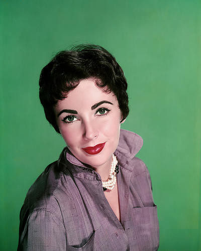 This is an image of Photograph & Poster of Elizabeth Taylor 289042