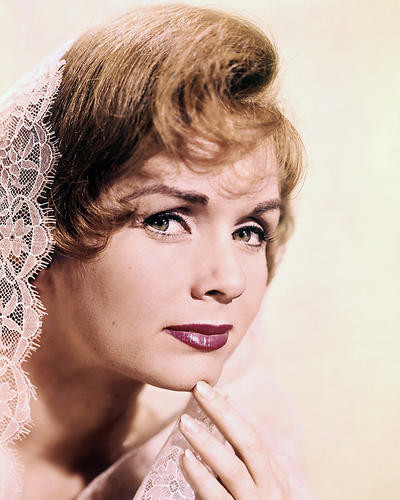 This is an image of Photograph & Poster of Debbie Reynolds 289101