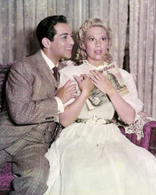 This is an image of Photograph & Poster of Dinah Shore 289125