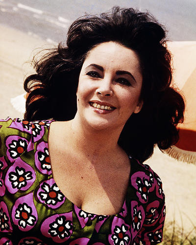 This is an image of Photograph & Poster of Elizabeth Taylor 289109
