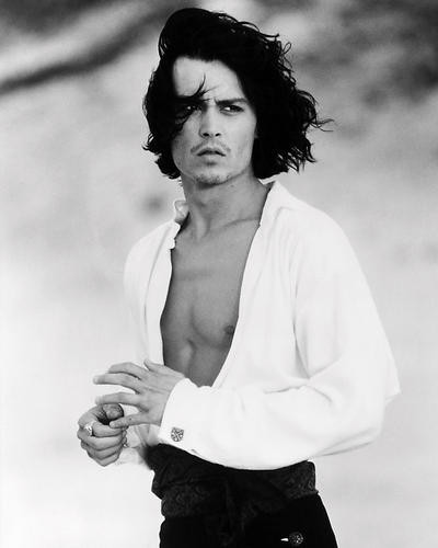 This is an image of Photograph & Poster of Johnny Depp 197572