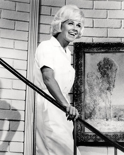 This is an image of Photograph & Poster of Doris Day 197602