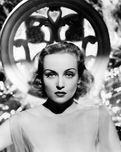 This is an image of Photograph & Poster of Carole Lombard 197954