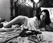 This is an image of Photograph & Poster of Jennifer Tilly 198108